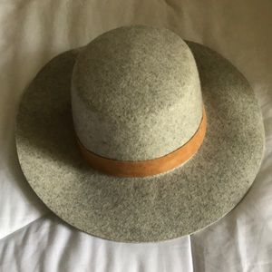 Grey & Tan Urban Outfitters Hat